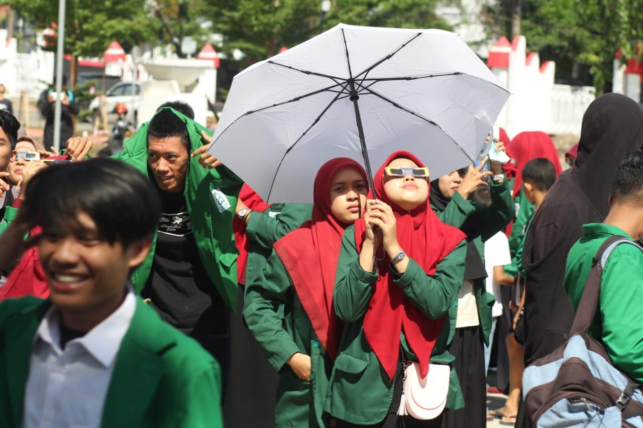 Prodi Ilmu Falak UIN Alauddin Makassar Menggelar Pemantauan dan Shalat Gehana Matahari